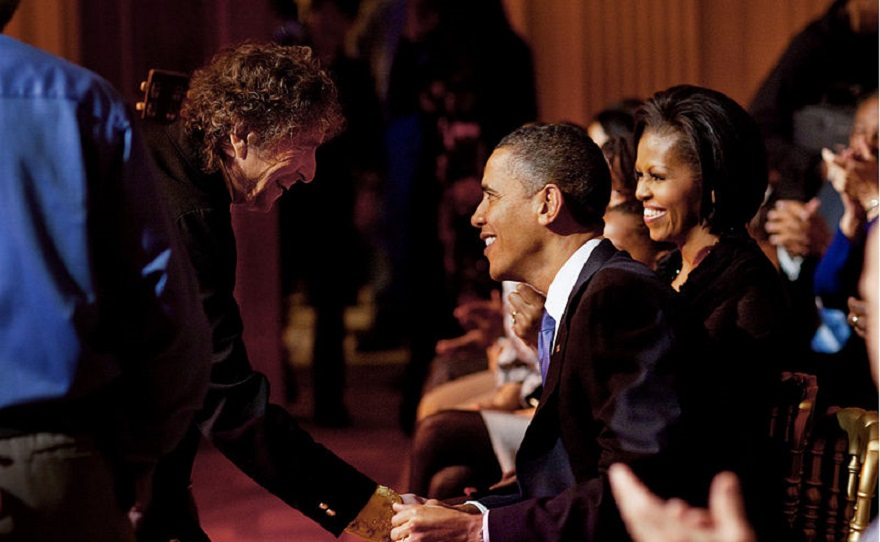 800px-dylan-obamas-white_house